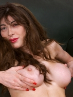 HOT mature mommy suck and fuck