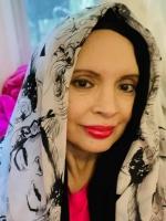 Professional tarot reader with compassion