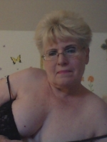 Sexy Granny will take your load on Webcam!