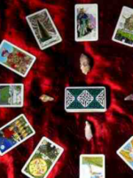 Psychic clairvoyant reader and advisor specialist in Tarot love