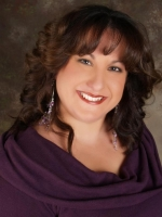 Explore the world of the unexplained paranormal. Yoly can channel and look into your energies and provide insight.